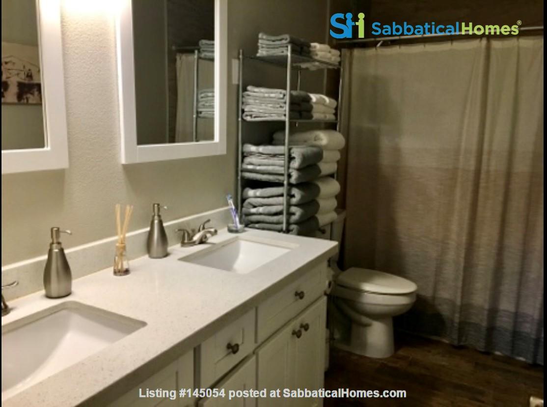 Spacious Remodel Near Downtown Home Rental in Phoenix, Arizona, United States 6