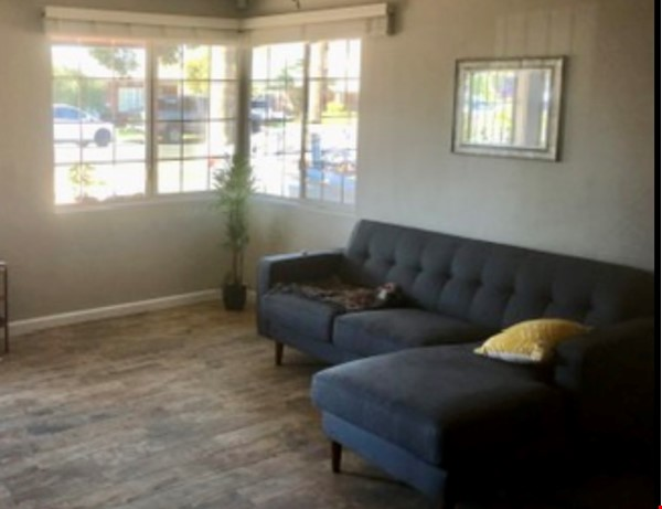 Spacious Remodel Near Downtown Home Rental in Phoenix 5 - thumbnail