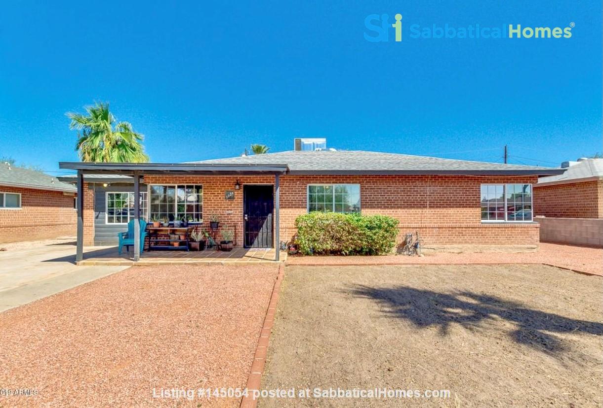 Spacious Remodel Near Downtown Home Rental in Phoenix, Arizona, United States 1
