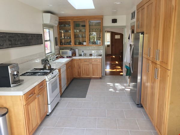 Quiet home for academic or visiting artist Home Rental in San Diego 3 - thumbnail