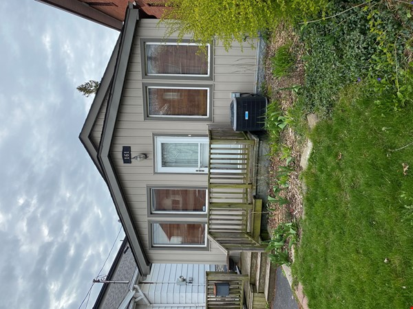 2-BR Renovated Bungalow: Perfect for a family with young kids! Home Rental in Toronto 6 - thumbnail
