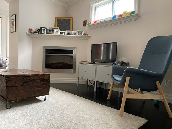 2-BR Renovated Bungalow: Perfect for a family with young kids! Home Rental in Toronto 2 - thumbnail